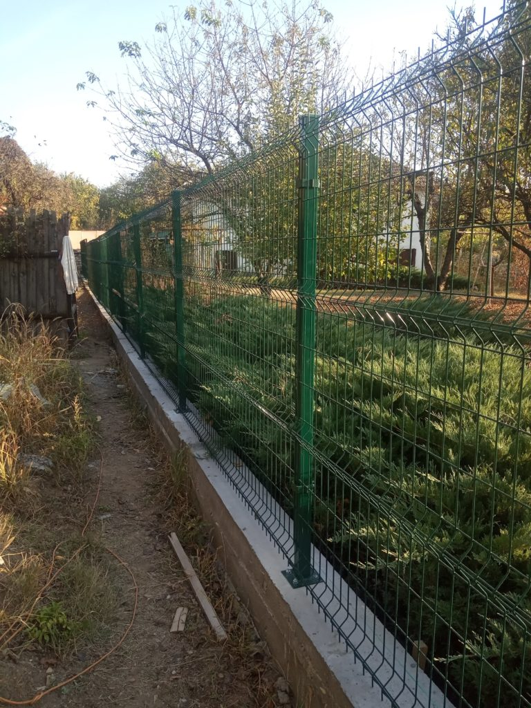 The nice new dog-proof fencing